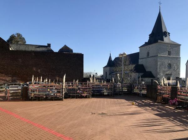 Implantation de Tourinnes-la-Grosse, la cour